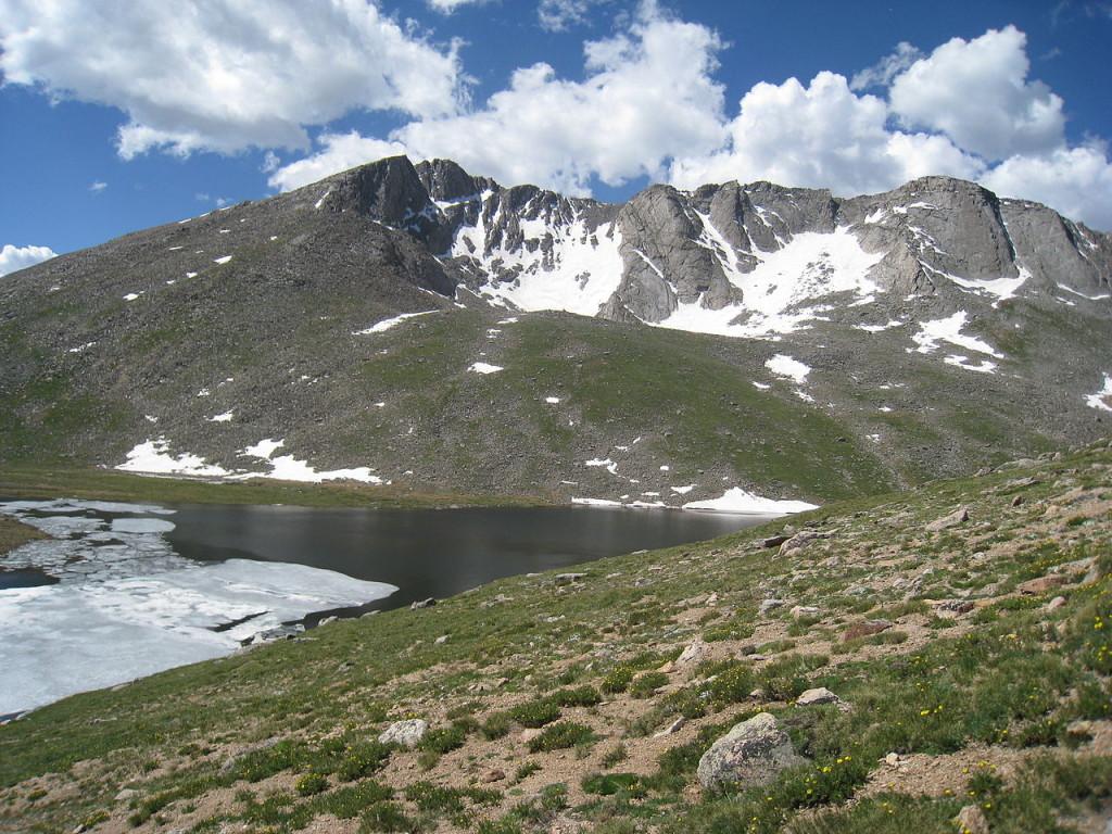 1280px-Mt_Evans